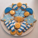HANUKKAH COOKIES: TRY MISE EN PLACE WITH YOUR KIDS